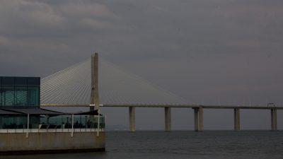 Vasco da Gama bridge, Tagus, Lisbon